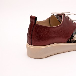 Casual Bordo shoes with laces