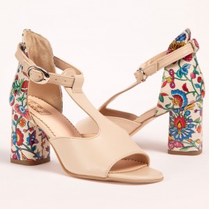 Creamy Sandals with high heel
