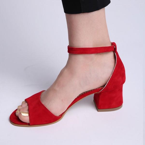 Sandale rosii cu toc gros mediu